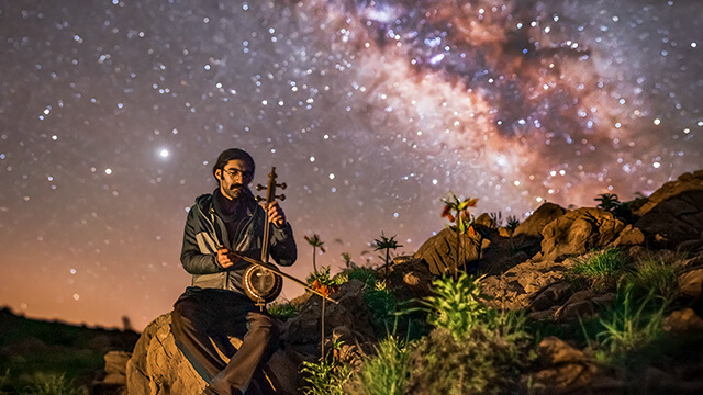 عکس در مورد کارگاه و رویدادهای آموزش عکاسی حرفه ای و عکس منظره و عکس آسمان شب که دراین بخش درباره ادیت عکس در فتوشاپ و آموزش عکاسی با موبایل نیز توضیح داده میشود