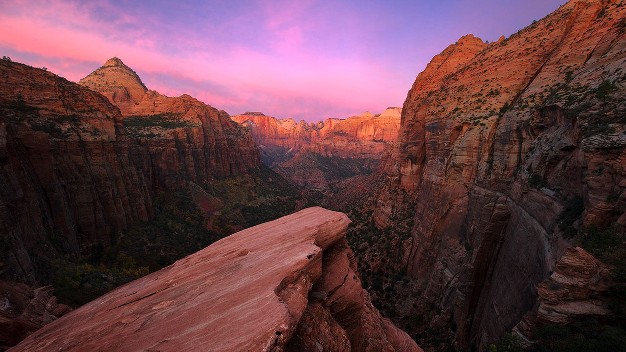 عکس یک دره درباره افزودن به عمق عکس با استفاده از یک نقطه محو